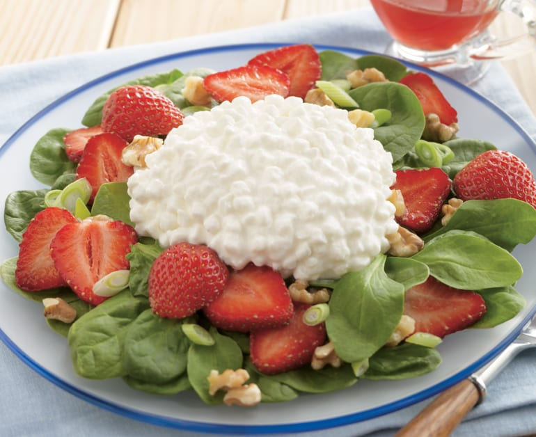 Strawberry Spinach Cottage Cheese Salad Recipe With Cottage Cheese Daisy Brand